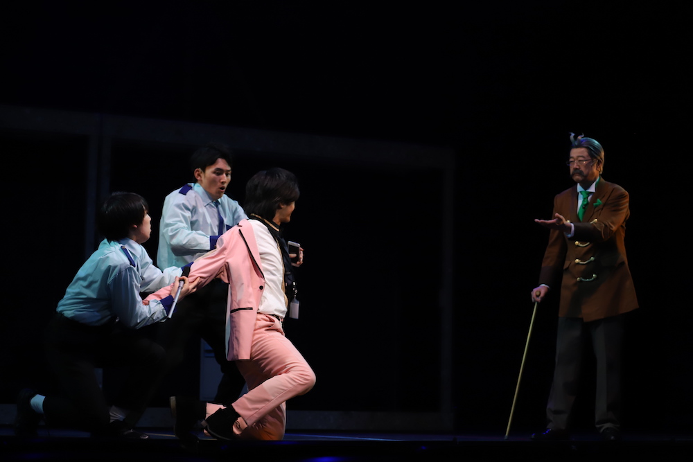 1月16日より開幕!舞台「逆転裁判 -逆転のGOLD MEDAL-」爆笑の囲み取材&ゲネプロを徹底レポート(写真全19枚) イメージ画像