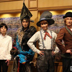 舞台『えんとつ町のプペル』東京公演開幕 絵本の世界を表現した、美しい演出とナンバーに注目 イメージ画像