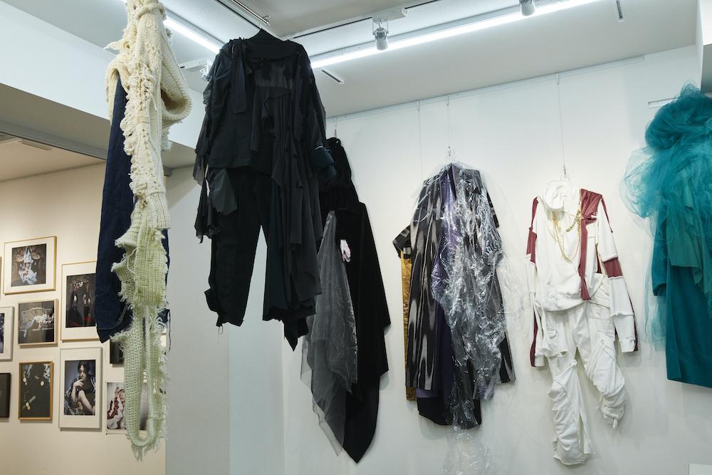 荒木健太朗×山田ジェームス武が華麗なる変身 『WORKS 02』展が開催へ イメージ画像