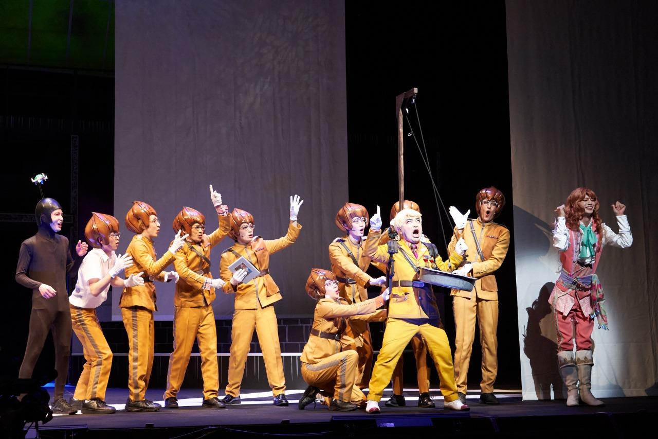 舞台「パタリロ!」〜霧のロンドンエアポート〜、舞台写真&キャストコメント公開 イメージ画像