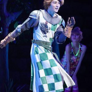 2021年の初笑い、豪華キャストによるミュージカル「モンティ・パイソンのSPAMALOT」本日開幕 イメージ画像
