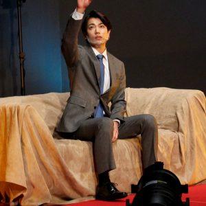 トーク、再現VTR、楽曲ライブ…ドラマ『ハンサムセンキョ』配信イベントレポ イメージ画像