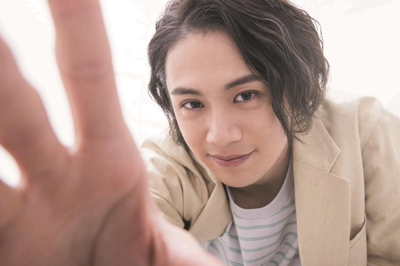 前川優希「毎日に少しの彩りを」 さまざまな職業人に扮するカレンダーブックが発売 イメージ画像