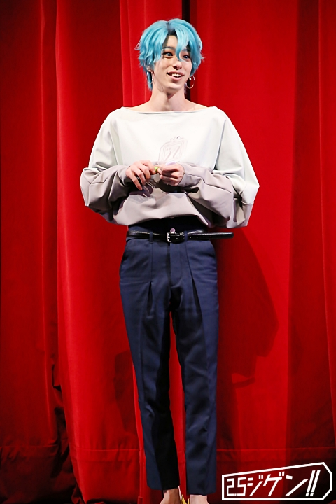 長江崚行が魅せる、3次元へと歩み出した『青山オペレッタ THE STAGE』ゲネプロレポート イメージ画像
