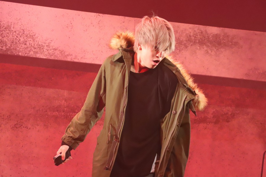 足掻くほどに堕ちていく…髙橋祐理主演の舞台「蟻地獄」開幕 板倉俊之が描くサスペンス イメージ画像