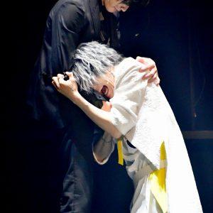 """天使が抱いた""""一途な愛""""の行く末は… 音楽劇「黒と白 」ゲネプロレポート イメージ画像"""