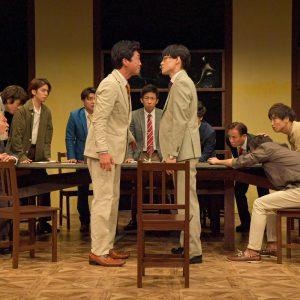 """キムラ真「""""演劇""""が生きる為に必要なんだ」 ナイコン『12人の怒れる男』舞台写真&コメントが到着 イメージ画像"""