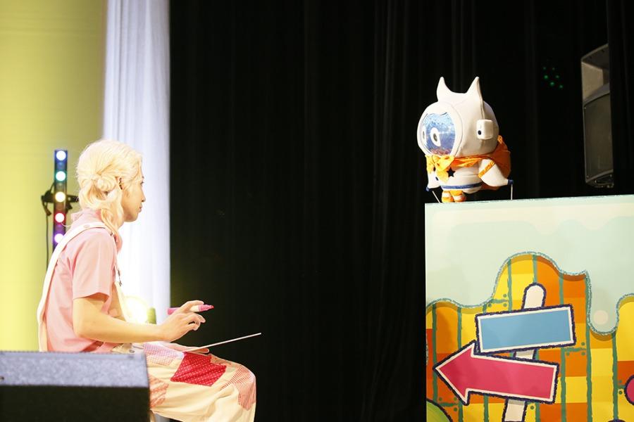 """木津つばさ・陳内将ら""""おにいさん""""が歌にお絵描きに…「うたってにこりん☆」お遊戯会レポート イメージ画像"""